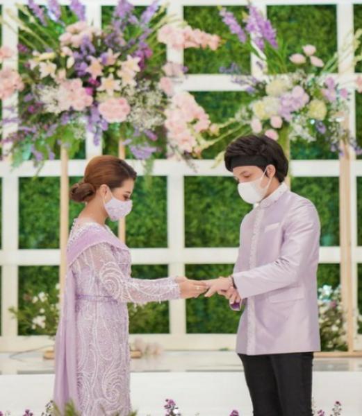 10 potret lamaran Atta Halilintar dan Aurel Hermansyah kenakan dresscode nuansa ungu