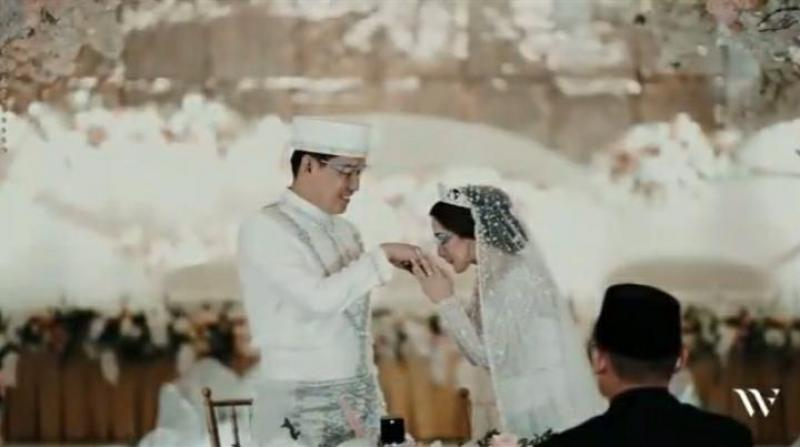 Resmi Menikah! Ifan Seventeen dan Citra Monica usung konsep Melayu Modern